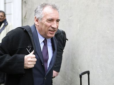 «Un peuple qui ne croit plus à sa vie publique est un peuple en danger», a mis en garde François Bayrou.