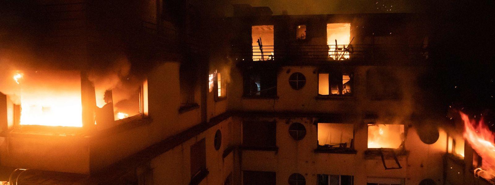 Das achtstöckige Gebäude in der Rue Erlanger musste komplett geräumt werden.
