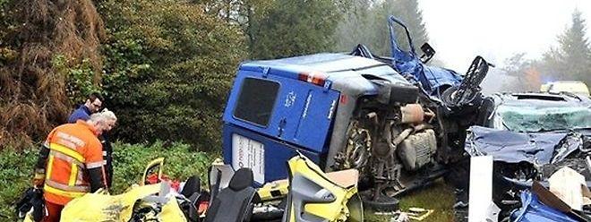 Für den 71 Jahre alten Fahrer des Lieferwagens kam jede Hilfe zu spät.