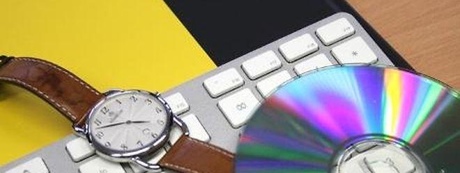 """Beiden Daten auf der CD soll es sich um ein Bild in einer """"ungewöhnlich hohen Auflösung von 113 Megabit"""" handeln."""