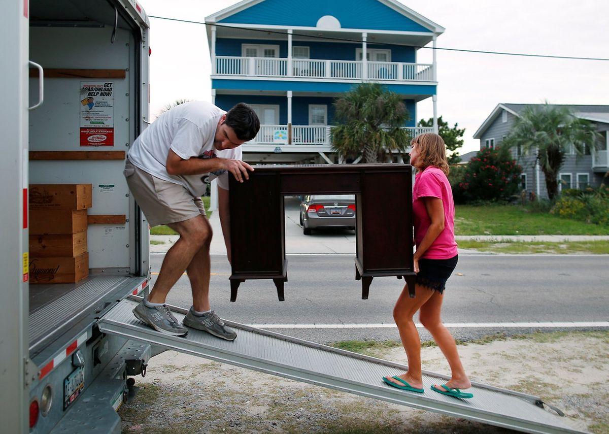 En Caroline du Sud l'évacuation ordonnée concerne 1,1 millions de personnes qui vivent dans les régions côtières.