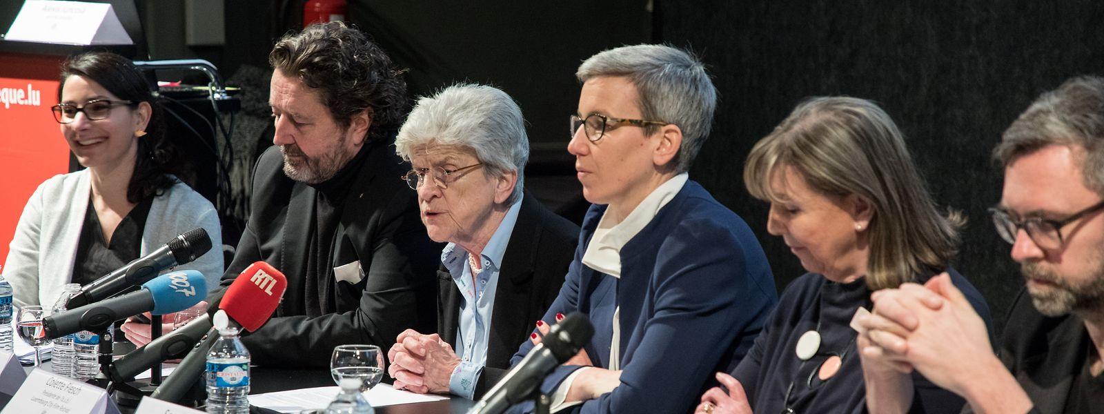 Politprominenz bei der Präsentationspressekonferenz des Filmfestivals, das am kommenden 5. März beginnen wird.