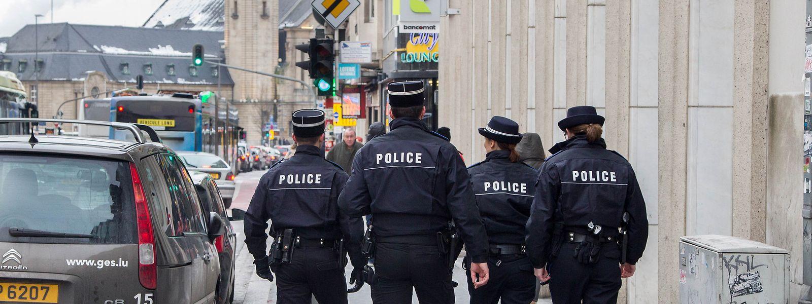 75 nouveaux policiers dernièrement assermentés seront affectés au quartier de la gare pour renforcer la présence des forces de l'ordre.