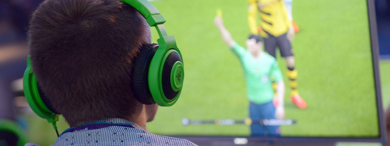 Damit die Fußballer flüssig über den Bildschirm laufen, brauchen Game-Streamer eine leistungsstarke Internetanbindung.