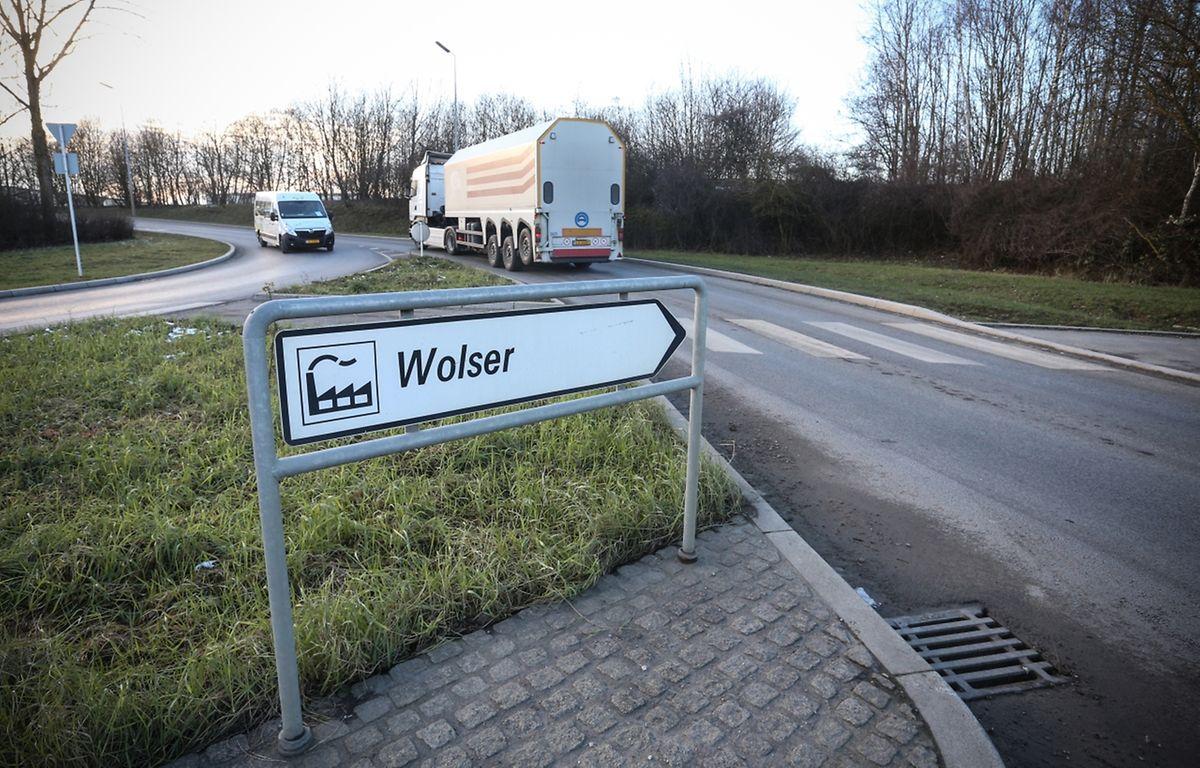 Im Industriegebiet Wolser zwischen Bettemburg und Düdelingen befinden sich bereits Unternehmen wie Lamesch und Arbed. Das Gebiet liegt in der Nähe des Bettemburger Autobahnkreuzes und bietet somit gute Verkehrsverbindungen für den In- und Export von Produkten.