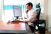 Corona-Virus, Allgemeinarzt Patrice Anton aus Rümelingen berät seine Patienten online über die CNS Onlinekonsultation, E-Consult, Telekonsultation, médecin, téléconsultation, Foto: Guy Wolff/Luxemburger Wort