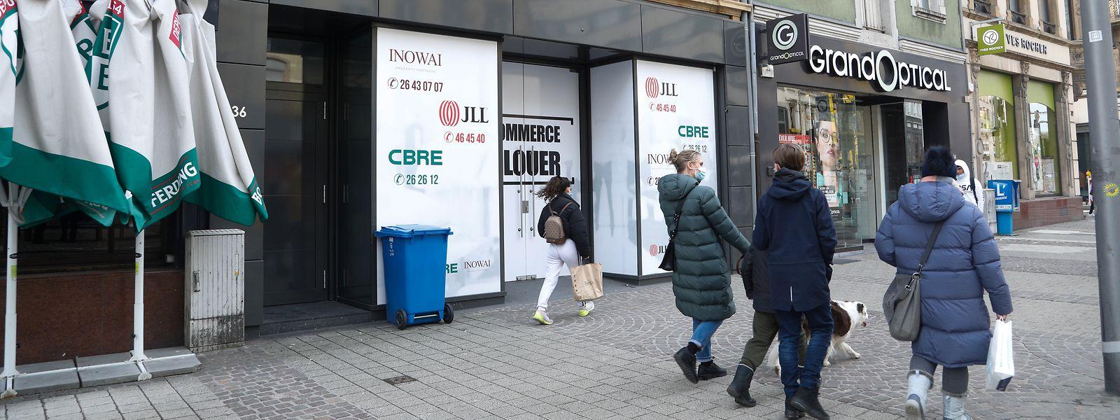 In der Avenue de la Gare warten viele Ladenflächen auf neue Mieter.