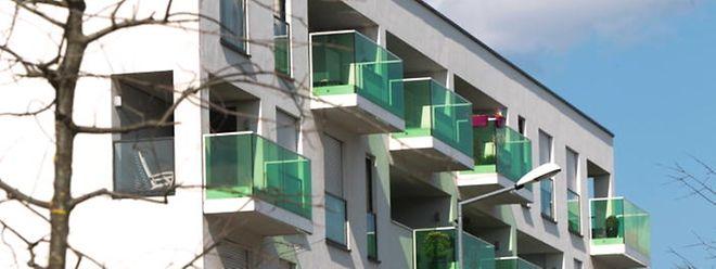 La hausse continue des prix immobiliers requiert selon plusieurs institutions une surveillance étroite.