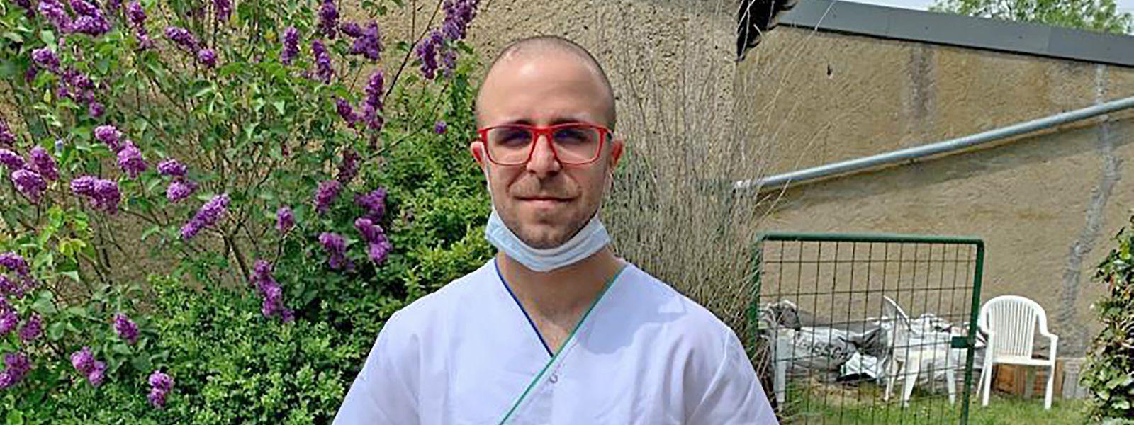 Der angehende Krankenpfleger Ruben Pontes kümmert sich seit vier Wochen im Centre de soins avancés in Belval um die Patienten.