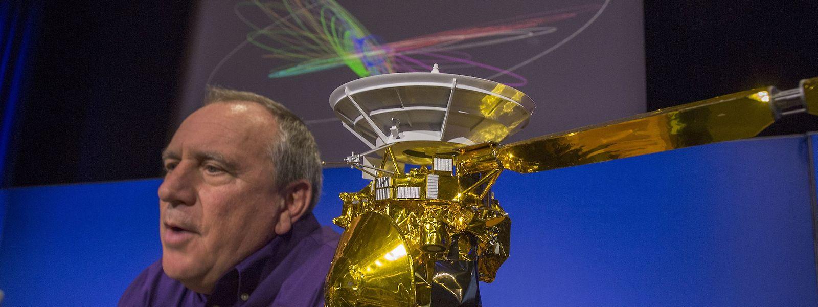 """""""Time to say Goodbye"""": Hunter Waite von der NASA erklärt die Absturzprozedur."""