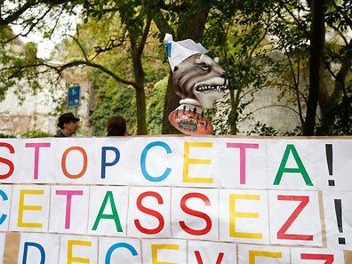 Die Anti-CETA-Proteste vor dem wallonischen Regionalparlament in Namur waren offensichtlich erfolgreich.