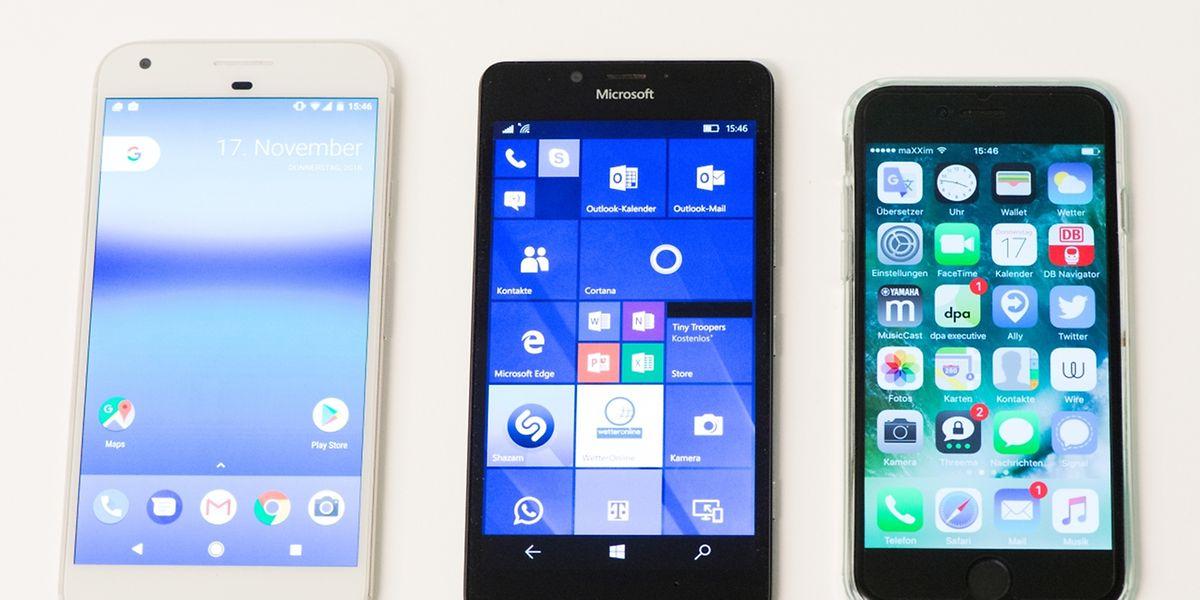 Die Qual der Wahl: Ob auf einem Smartphone Android (l.), Windows 10 Mobile (M.) oder iOS läuft (r.), legt den Käufer auf ein ganzes Ökosystem mit Apps, Zusatzdiensten und Shops fest.