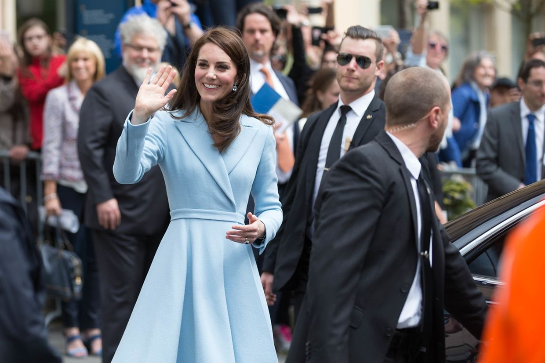 Da ist sie, Kate, die Herzogin von Cambridge.