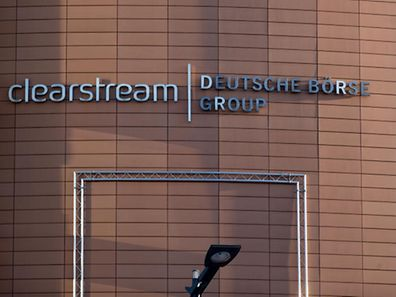 Durch die Fusion hätte Clearstream Konkurrenten aus dem Markt drängen können, erklärt die Kommission.