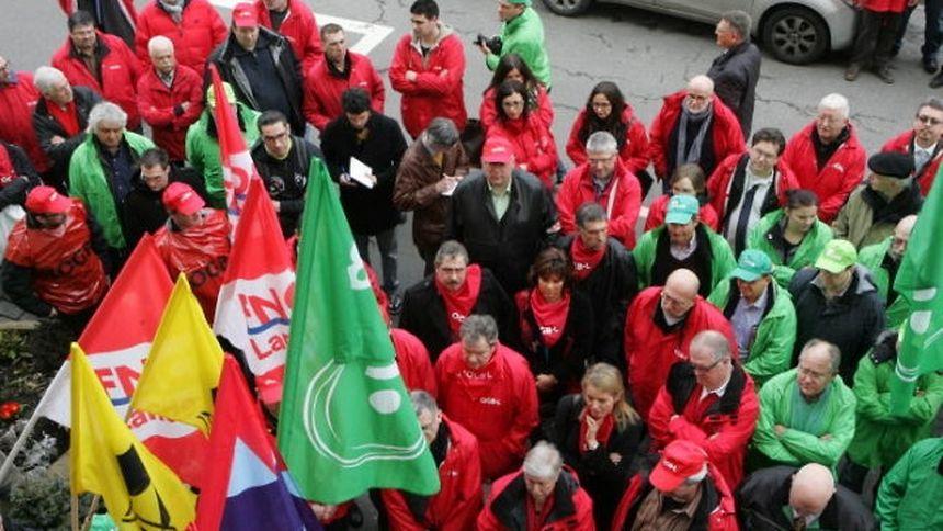 Ils étaient une bonne centaine à avoir répondu à l'appel des quatre syndicats