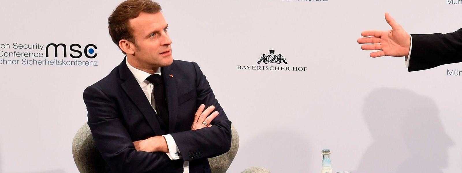 Der französische Präsident Emmanuel Macron zeigt keine Scheu bei den Fragen des Publikums auf der Münchner Sicherheitskonferenz.