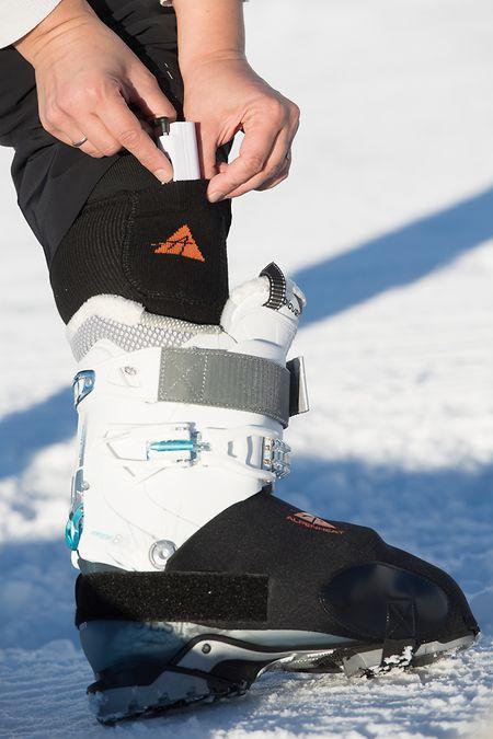 Wärme für die Füße auf Knopfdruck: Beheizte Socken des Herstellers Alpenheat.