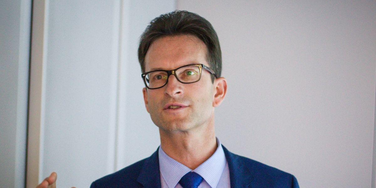 Carlo Thelen argumentiert auf seinem Blog gegen die Erhöhung des sozialen Mindestlohns.