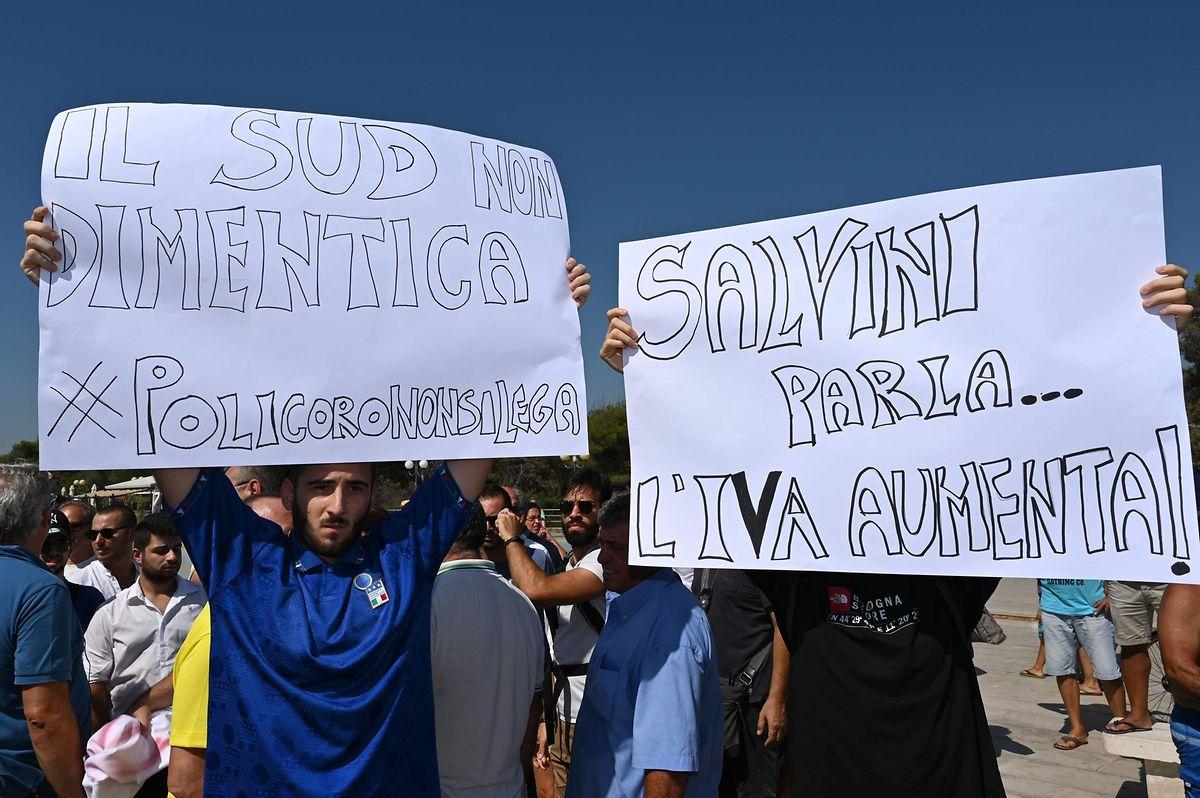 Des opposants à Matteo Salvini dénoncent les propos tenus par l'actuel ministre de l'Intérieur et leader de la Ligue du Nord sur les régions du sud de l'Italie, présentées comme «assistées».