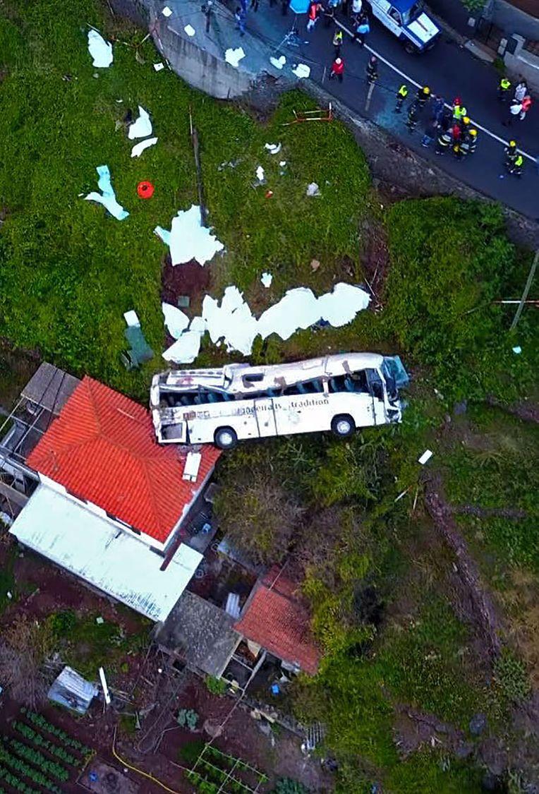 Bei einem Busunglück auf der portugiesischen Ferieninsel Medeira sind 29 Menschen ums Leben gekommen.