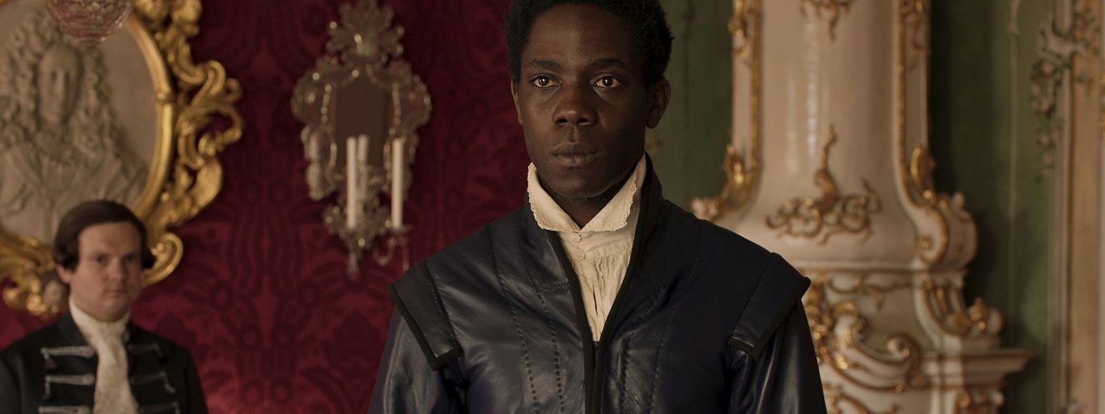 Makita Samba spielt Angelo Soliman, einen Westafrikaner, der im 18. Jahrhundert zunächst nach Italien und später nach Österreich als Exot entführt wurde.