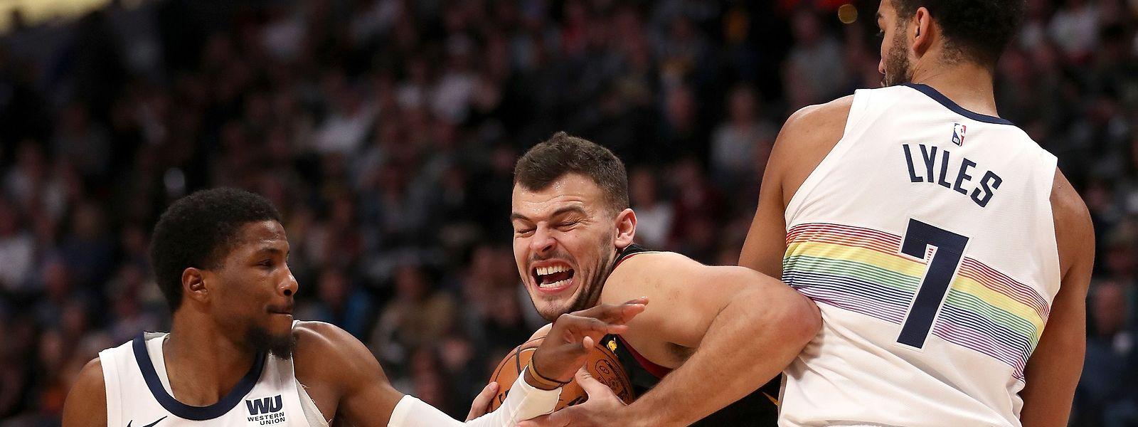Malik Beasley et Cleveland ont été dominés par les Nuggets.