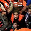 Allein in Griechenland kommen jede Woche 12.000 Flüchtlinge an.