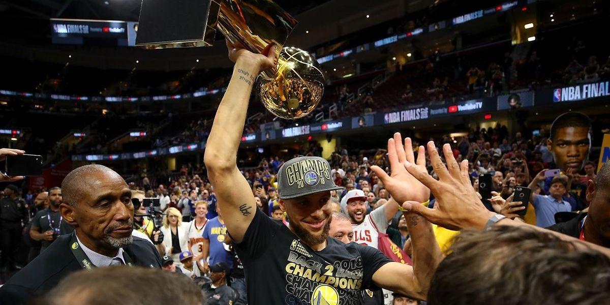 Stephen Curry und die Golden State Warriors haben ihren Titel erfolgreich verteidigt.