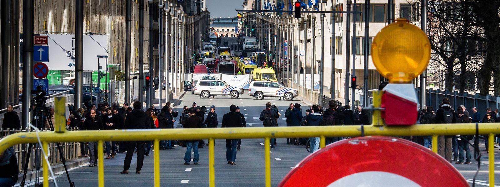 Die belgischen Handynetze waren nach den Terroranschlägen schnell überlastet und im Umfeld der Tatorte kaum noch zu benutzen.