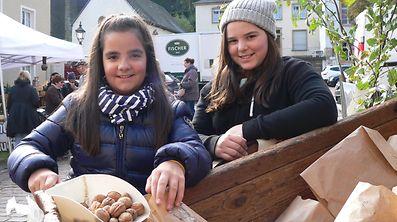 """Le marché aux noix ou """"Veiner Nëssmort"""", une tradition populaire qui dure depuis plus de 80 ans."""