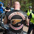 """Fot. Bartosz Krupa/East News. Rynia 03.06.2016. """"World Run 2016"""" swiatowy zlot motocyklistow zrzeszonych w klubie Hells Angels MC w tym roku odbywa sie w Polsce nad Zalewem Zegrzynskim.  Policja przeprowadza kontrole motocyklistow wjezdzajacych na teren zlotu. Hells Angels w wielu krajach uwazani sa za organizacje przestepcza."""