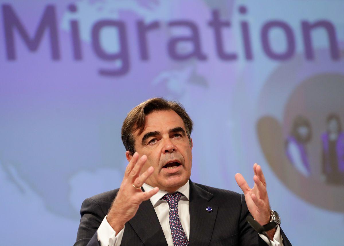 Der EU-Migrationskommissar Margaritis Schinas will Länder wie Ungarn nicht zur Aufnahme von Flüchtlingen verpflichten.