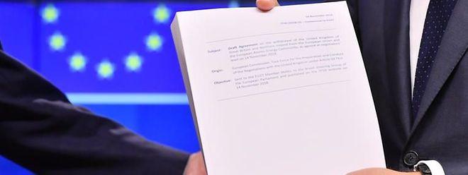 Le Traité de retrait de l'Union européenne, qui règle le divorce en 585 pages, est assorti d'une déclaration politique de 26 pages sur la future relation visée entre le Royaume-Uni et l'UE.