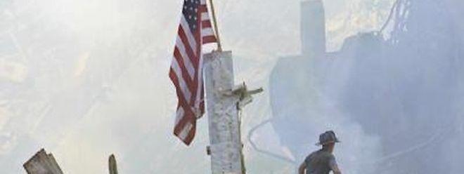 Rettungsarbeiten am eingestürzten World Trade Center (Archivfoto vom 13.09.2001).