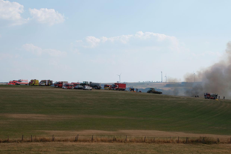 Estiveram envolvidos 130 elementos no combate às chamas