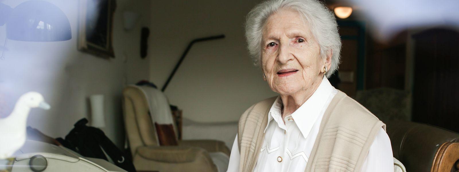 Trotz ihres hohen Alters erfreut sich die 99-Jährige Finny Cazzaro bester Gesundheit und hat jetzt noch ein Buch veröffentlicht – ein weiterer Roman ist auch schon in Arbeit.