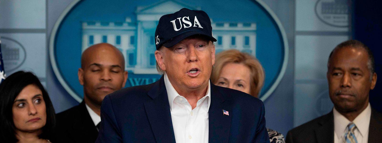 US-Präsident Donald Trump beugt sich dem Druck: Er hat sich auf das Virus testen lassen.