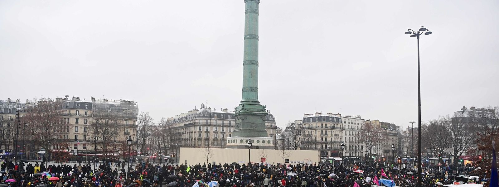 Auf der Place de la Bastille sammelten sich Tausende Gegner des umstrittenen Gesetzes.