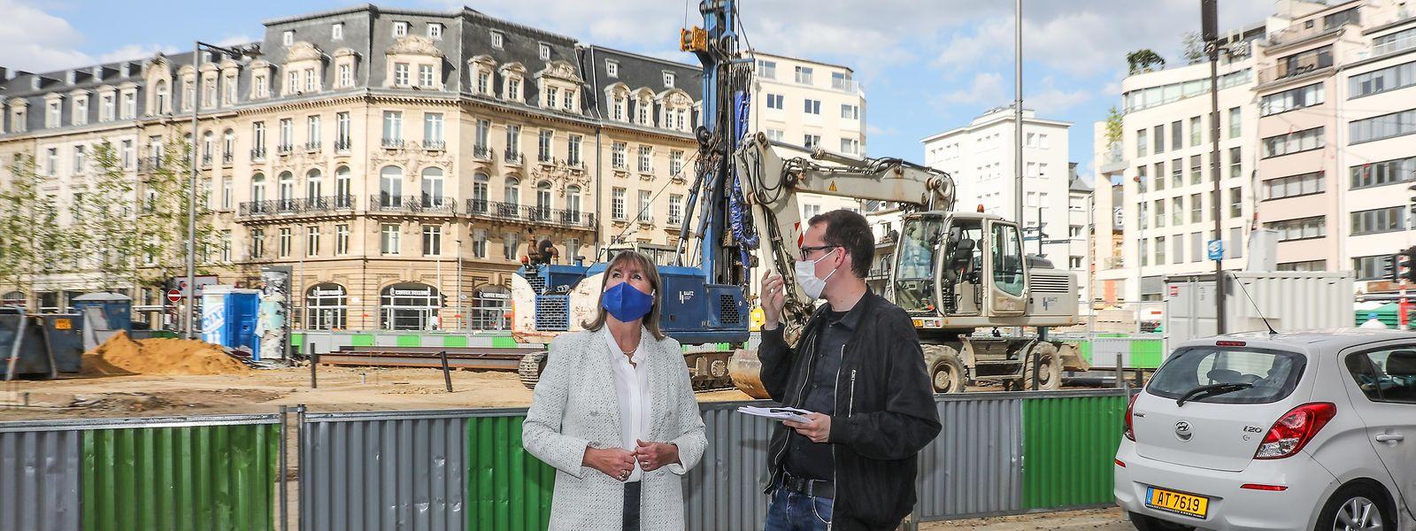 An der Place de Paris laufen die Arbeiten an der Tramtrasse auf Hochtouren, vor allem für die Anwohner ist das nicht immer einfach.