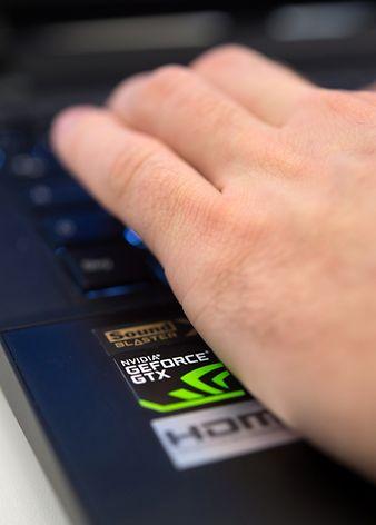 Kostenlose Programme wie die Geforce Experience für Nvidia-Karten laden neue Treiber nicht nur selbstständig herunter, sondern können ausgewahlte Spiele auch automatisch optimal ans eigene System anpassen.