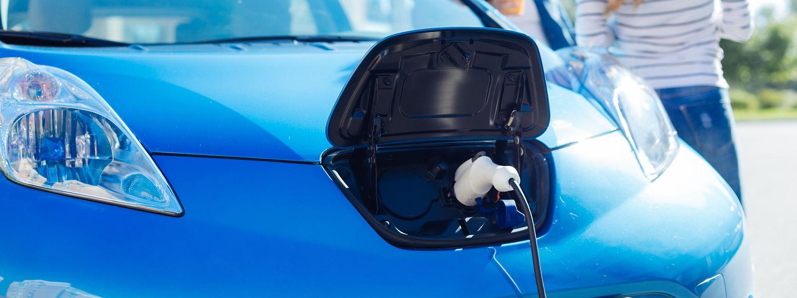 Le temps de chargement des véhicules électriques apparaît encore comme problématique.
