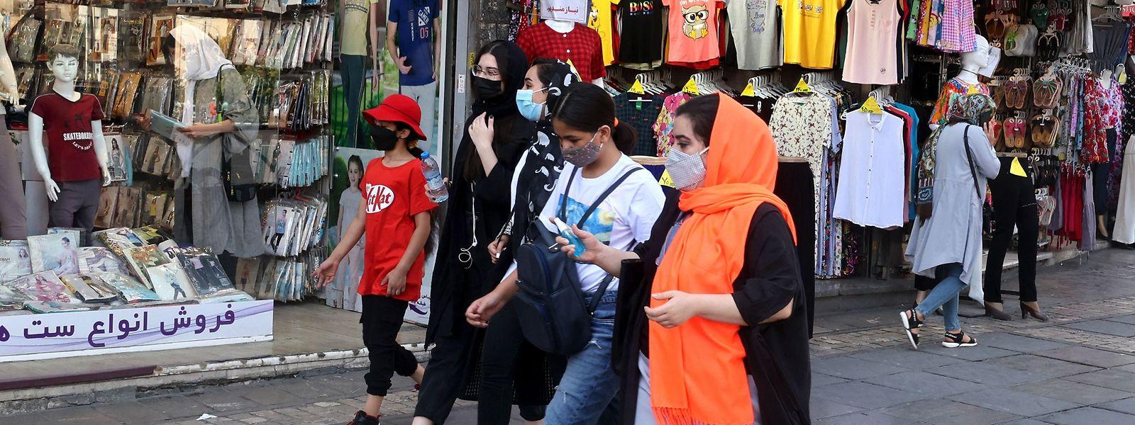 Irans junge Bevölkerung dürfte kaum gewählt haben, nachdem schon lange feststand, wer gewinnen würde. Die wirtschaftliche Lage des Landes sieht mit dem neuen Machthaber düster aus.