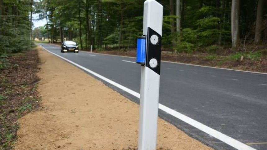 It is hoped that blue reflectors, costing around 6 euros each, will help reduce collisions between vehicles and wild animals