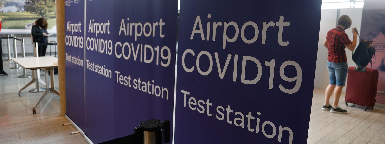 Face au virus et à ses variants, la libre circulation au sein de l'espace européen est soumise à quelques conditions. A commencer par un test à l'aéroport.
