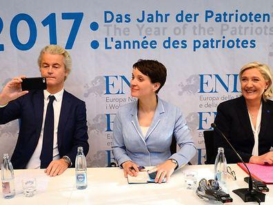 Geert Wilders, chef du parti néerlandais anti-islam Parti pour la liberté (PVV), Frauke Petry de l'Alternative pour l'Allemagne (AfD) et Marine Le Pen, leader du FN.