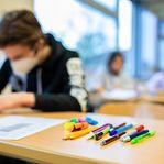 Covid-19. Número de infeções diminui nas escolas