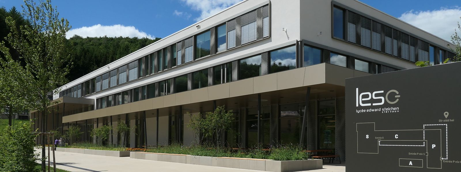 Seit September wird im Lycée Edward Steichen in Clerf bereits unterrichtet. Nun ist die Schule auch offiziell eingeweiht.