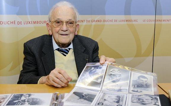 """Im September dieses Jahres hatte Bim Diederich seine Erinnerungsstücke an den """"Service sauvegarde du patrimoine sportif"""" übergeben."""