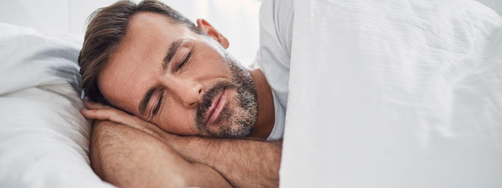 Normalerweise sinkt der Blutdruck nachts ab - doch das ist nicht bei allen Menschen so.
