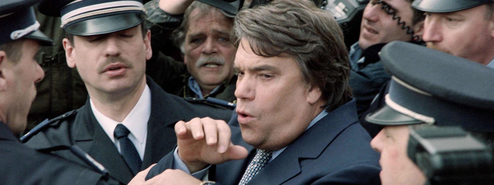 Business, politique, foot, affaires : l'homme aura marqué 40 ans d'histoire française.